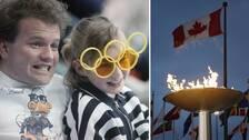 Kanada en klassisk nation i vinter-OS-sammanhang: Till vänster ett minne från åskådare i hockeyarenan Saddledome i Calgary 1988, till höger den olympiska elden senast det begav sig i landet – 2010 i Vancouver