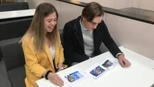 Förstagångsväljarna Jonna Werdien och Alexander Camacho på Aranäsgymnsiet i Kungsbacka försöker lista ut vilka EU-personligheterna på bilderna är.