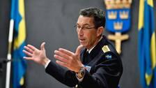 ÖB Micael Bydén intervjuas på Försvarsmaktens högkvarter i Stockholm.