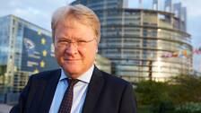 Lars Adaktusson (KD) utanför EU-parlamentet i Strasbourg när han satt som EU-parlamentariker.
