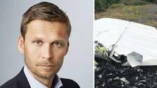 Peter Swaffer och en flygplansdel i en kombinerad bild.