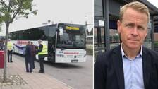 Ersättningsbuss och Skånetrafikens trafikdirektör Linus Eriksson