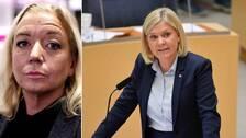 SVT:s politiske kommentator Elisabeth Marmorstein som kommenterar finansminister Magdalena Andersson från Socialdemokraterna som syns under onsdagens budgetdebatt.