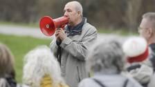 Kurdo Baksi talar när Författarförbundet och Svenska Pen arrangerar en manifestation för den fängslade svensk-kinesiske bokförläggaren Gui Minhai utanför Kinas ambassad i maj 2018.