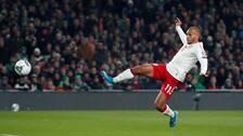 Martin Braithwaite gör 1-0 till Danmark.