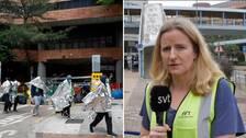 """""""De äldre studenterna har kommit ut med handklovar – medan de yngre fått återförenas med sina familjer"""", säger SVT:s korrespondent på plats i Hongkong"""