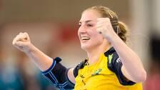 Linn Blohm med en segergest efter segern mot Tyskand om sjundeplatsen i VM