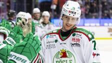 Rögles Dominik Bokk jublar efter 0-1 under ishockeymatchen i SHL mellan Örebro och Rögle den 18 januari 2020 i Örebro.