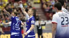 Islands Gudjon Valur Sigurdsson jublar efter mål under söndagens match i handbolls-EM mellanrundan grupp 2 mellan Portugal och Island i Malmö Arena