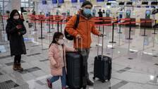 För att lokalisera fler smittade av det nya lungviruset införs feberkontroller på många flygplatser.