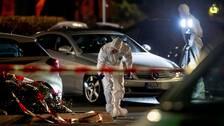 Polisens kriminaltekniska personal på plats efter skjutningarna i Hanau.