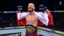 Polens Jan Blachowicz är ny UFC-mästare i lätt tungvikt.