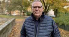 Janne Lundholm på nattvandring.nu står i en park.