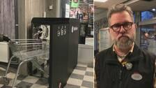 UV-box för sanering, samt handlaren Daniel Stenmark
