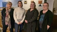 delägaren Sofia Westlund och de anställda Josefine Comstedt, Anna Gustafsson och Maria Björk står uppradade i restaurangen.