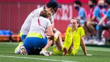Kosovare Asllani i smärtor under OS-kvartsfinalen mot Japan tidigare i veckan.