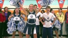 Carl går med i cheerleading-gruppen.