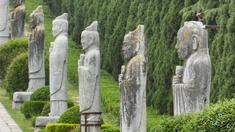Processionsvägen mot Liangberget, Qianling mausoleet från Tangdynastin.