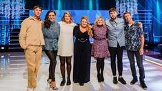 Emma Knyckare och Hampus Nessvold möter Pernilla Wahlgren och Ola Forssmed i musikleken för hela familjen med Sarah Dawn Finer som programledare. Pianister är Marika Willstedt och Emanuel Norrby.
