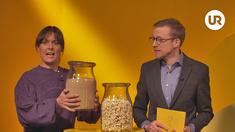 Susanne Thorsson som deltagaren och Måns Nilsson som programledaren.