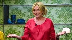 Programledare: Anne Lundberg.