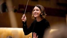 Alondra de la Parra, musikalisk och karismatisk, är bland de första kvinnorna på pulten för världsorkestrar i Australien, USA och Mexiko.