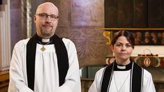 Prästen Magnus Lindh predikar och prästen Ida Marcusson leder dagens gudstjänst.
