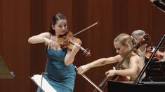Violinisten Baiba Skride och cellisten Sol Gabetta.