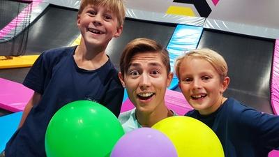 27. Smälla ballonger från trampolin