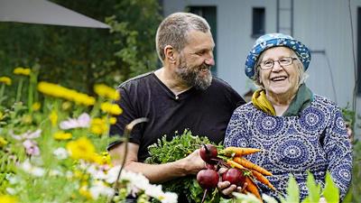 Pekka Tuomela och Anja Tuomela. - Du och jag, mamma