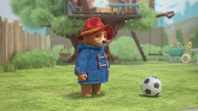 Paddington spelar fotboll