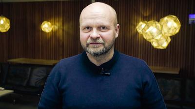 Programledare Mirka Kettunen.