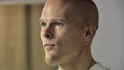 En film om en ovanligt envis människa. Mikael Andersson föddes utan armar och ben. I dag är han en stark, vältränad familjefar och föreläsare med mycket att lära ut om viljekraft och mänskliga möjligheter.
