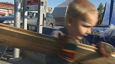 Elias vill sortera sopor!