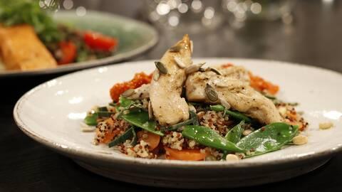 Ljummen kycklingsallad med quinoa