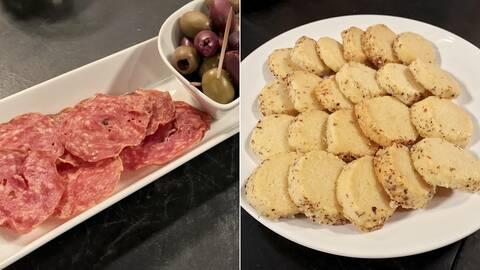 Salami- och skinkchips och salta parmesankex.