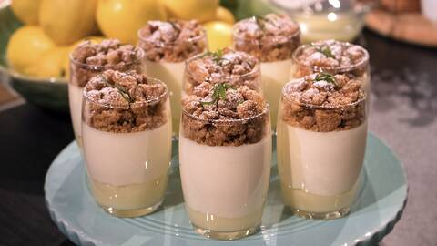 Citronfromage med yuzucurd och crumble