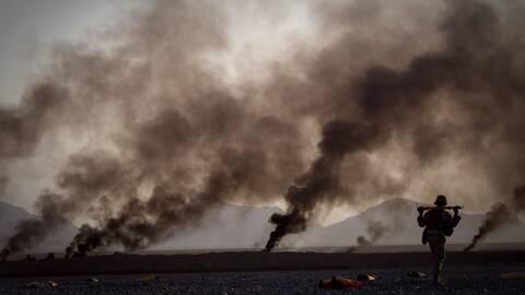 En bild från kriget i Afghanistan, 2011. Fotografen Anja Niedringhaus är en av många krigskorrespondenter som förlorat sitt liv i tjänsten.