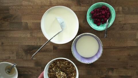 Yoghurt på gammal mjölk.