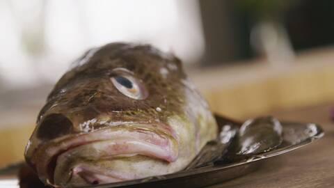 Kaviar på fiskhuvud.