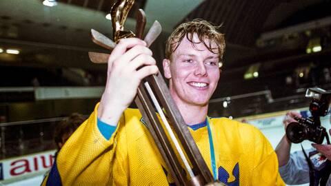 Mats Sundin med VM-bucklan 1992.