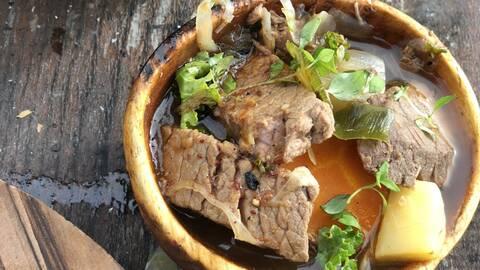 Älgköttssoppa med lättrökt pilsnerklimp.