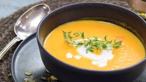 Krämig soppa på rostad butternutpumpa med kokosmjölk.