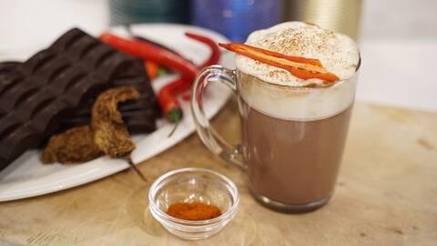Varm choklad med hetta.