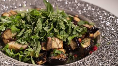Rostad aubergine med thaidressing.