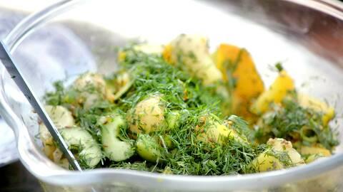 Tareqs franska potatissallad.