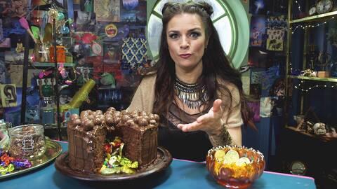 Skattårta - chokladtårta med godisfyllning.