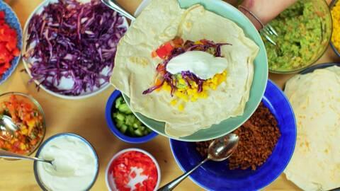 Vegetariska tacos med romskt tortillabröd.