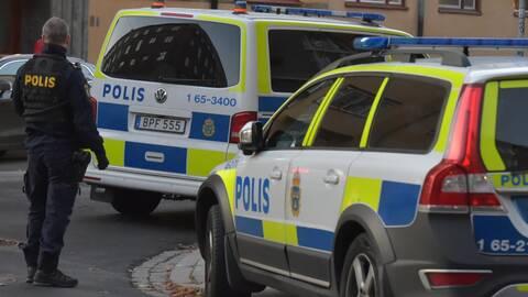 Vapen Och Explosiva Foremal Hittade I Centrala Malmo Svt Nyheter