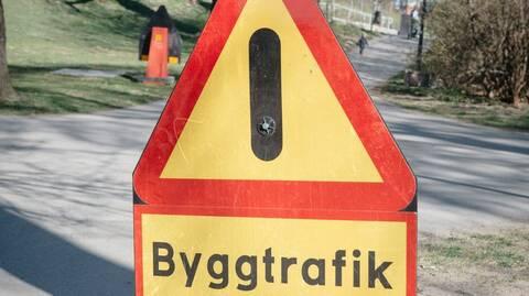Varningsskylt för byggtrafik